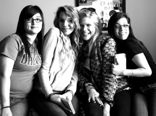Kristen Johnston With Girls